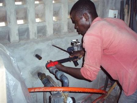 Mit einem sehr kompetenten Sanitärinstallateur wurde das Waterflow 200 eingebaut