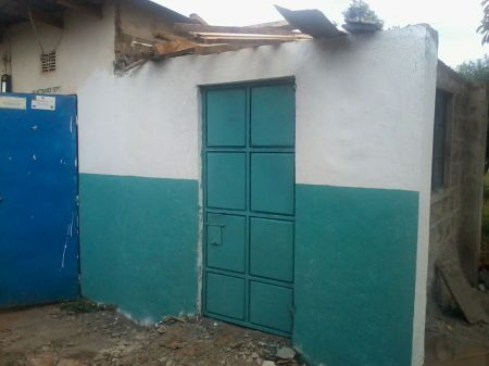 House constructed to host the water filters and pump