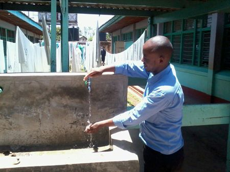 water fountain with filtered water Maragua hospital 1